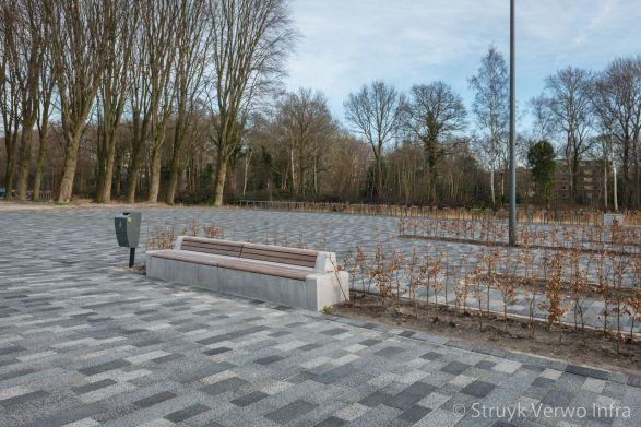 Seat zitelement|Betonnen zitelement met houten zitting|betonnen parkmeubilair