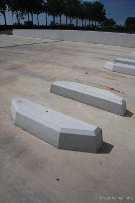Geleiders voor laadstation|betonnen geleidingselementen