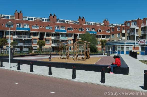 Zitranden om speelplek|Krimpertplein Amsterdam