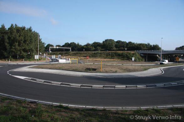 Kluifrotonde|Turborotonde|scheidingsbanden voor een rotonde|Aansluiting A2 bij Leende