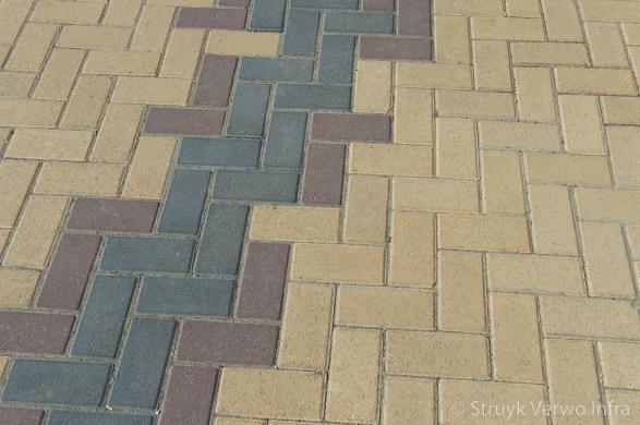 Diverse kleuren bestrating op rijbaan|Karrespoor Nieuwegein