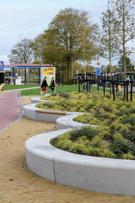 Betonnen zitranden|Inrichting Nieuwe Willemshaven in Harlingen