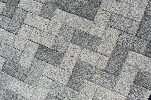 mix van grijstinten in bestrating|De Schans Ridderkerk