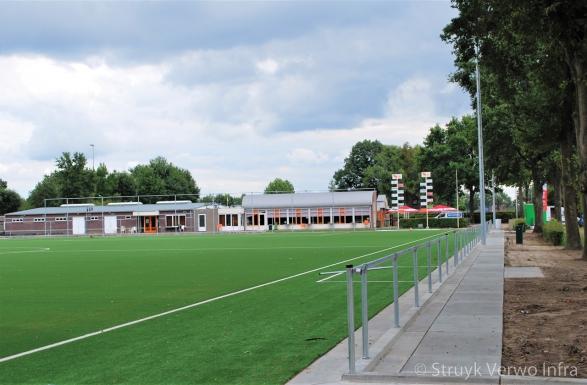 Verharding rondom sportveld|Infill Barrier sportvelden
