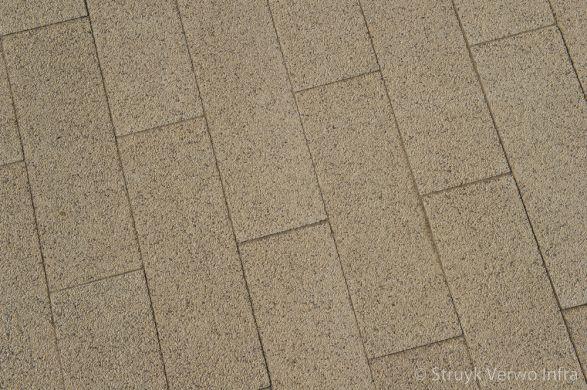 Betonstraatstenen 60x20 geelbruin|kleurvaste bestrating|slijtvast bestrating