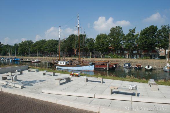 Buiteninrichting|betonnen banken|Veteranenmonument|Oostereiland Hoorn