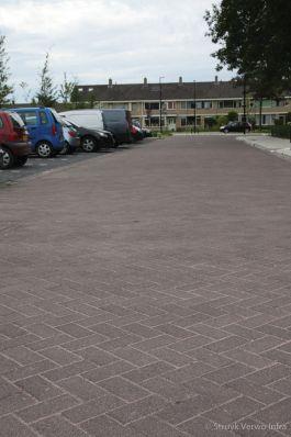 Herinrichting Acaciaplein Schagen bruine bestrating|uitgewassen beton|Lavaro