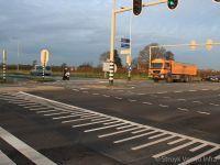 Betonnen verkeersplateaus in asfaltweg