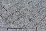Machinaal pakket in elleboogverband met bisschopsmuts|betonstraatstenen 21x10,5