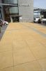 Groot formaat steen 100x100 met gesloten deklaag|inrichting entree ziekenhuis