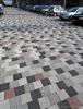 Diverse kleuren bestrating op parkeerterrein van Bloemenveiling Flora Holland|mix bestrating|Breccia