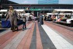 Gewassen en geslepen bestrating in diverse kleuren Marktplaats Bos en Lommerplein strokenpatroon bestrating