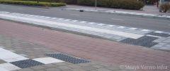 Bushalte met geleidelijnen CROW|HOV-band|bushaltebanden