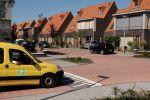 Verhoogd kruispunt als verkeersremmende maatregel in woonwijk