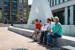 Zitelementen van beton voor stadhuis van Almelo