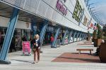 Winkelcentrum Alexandrium|strokenpatroon in bestrating|liscio|sferio