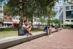 Betonnen zitranden om plein|Herinrichting Gele Rijders Plein