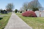 Pad op begraafplaats Oud Vossemeer