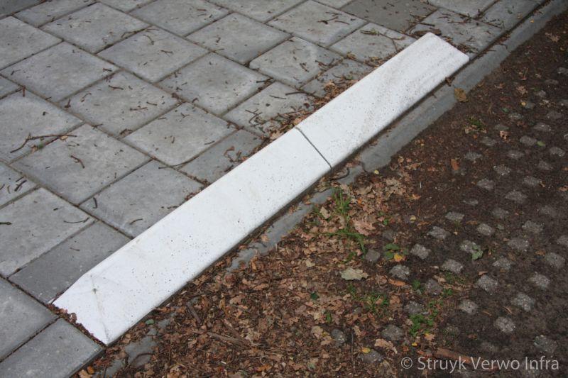 Driehoekige antiparkeerband