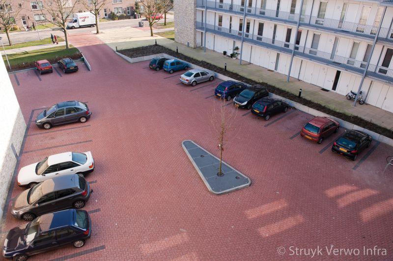 Waterpasserende bestrating op parkeerplaats zorgcomplex easyflow