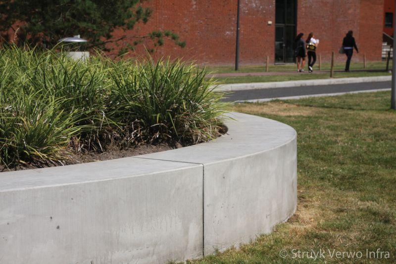 Bochten betonnen zitelementen