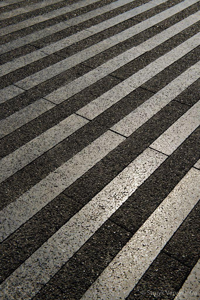 Bestrating gepolijst liscio nieuwbouw rabobank herten voetgangerszone