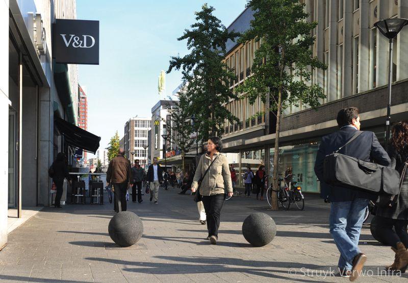 Sierbol hoogstraat rotterdam antiparkeer betonnen afzetelement