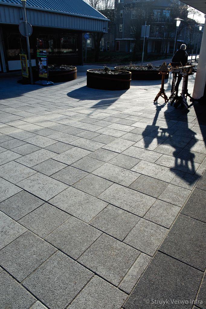 Breccia betontegels winkelcentrum de laar arnhem