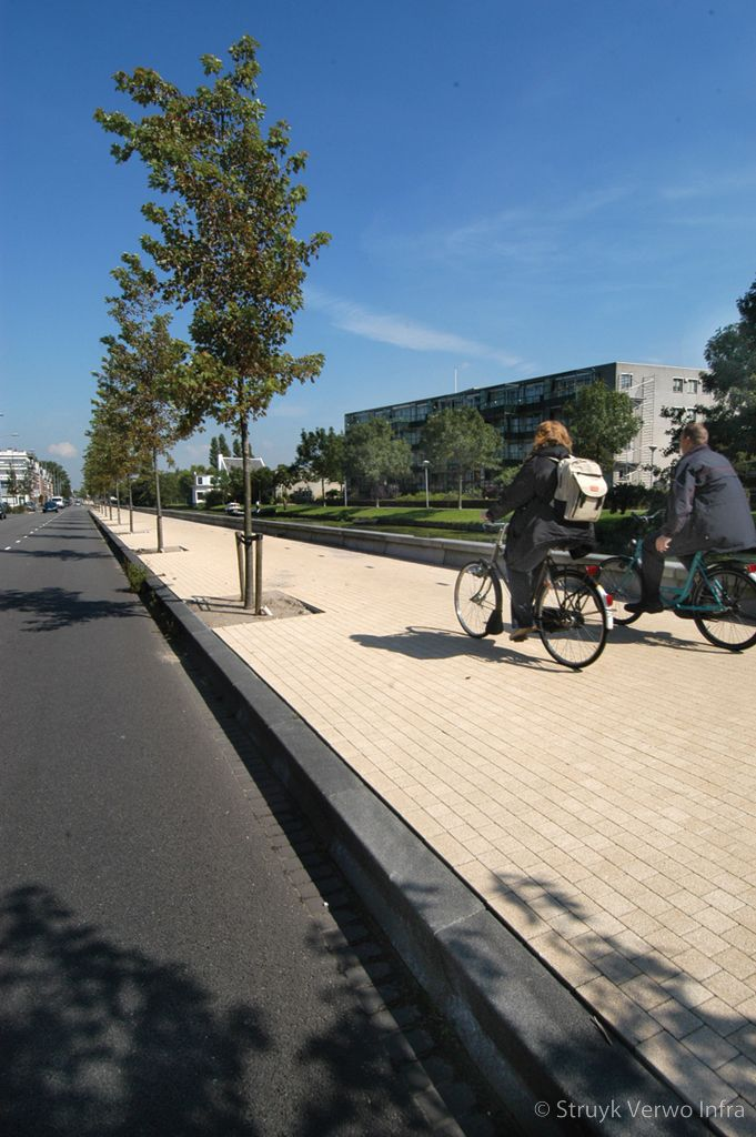 Amstelband langs fietspad trottoirband 20 20 5