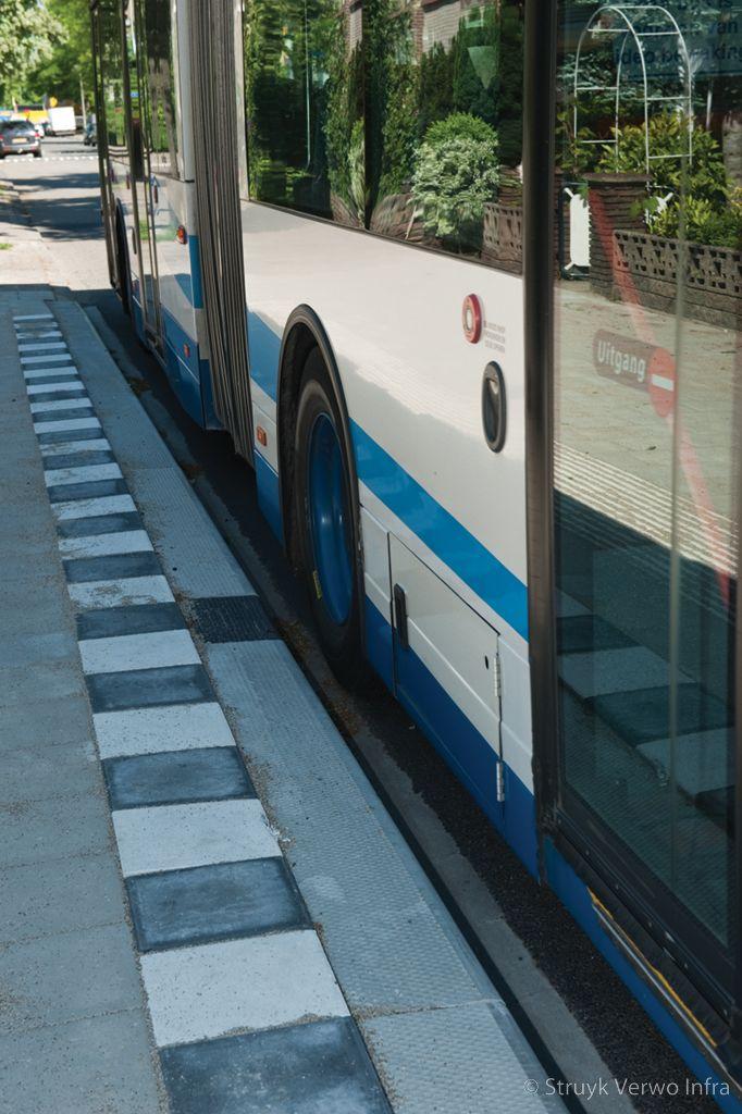 Optimale toegankelijkheid bus hov band busperronband
