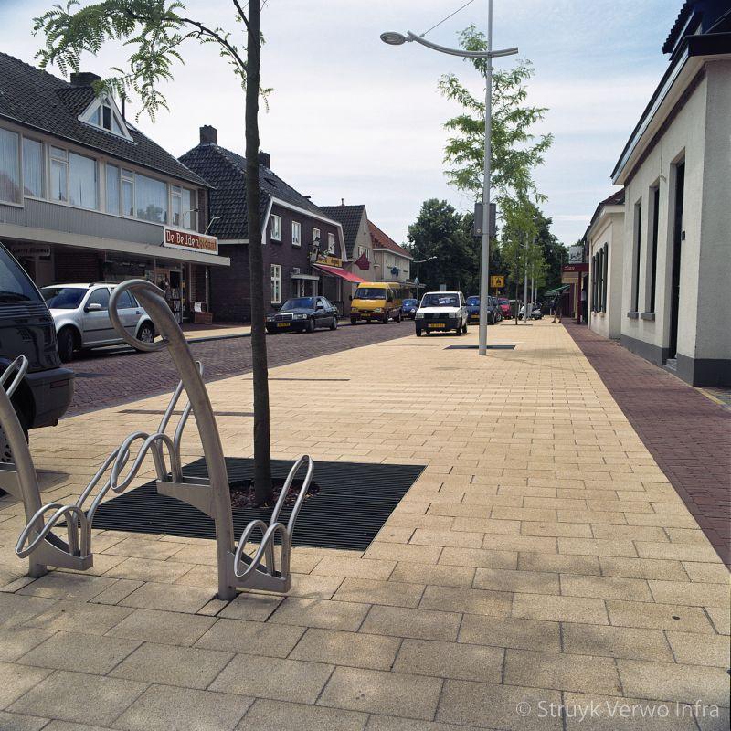 Gewassen betonstraatsteen 30x20 geel inrichting trottoir