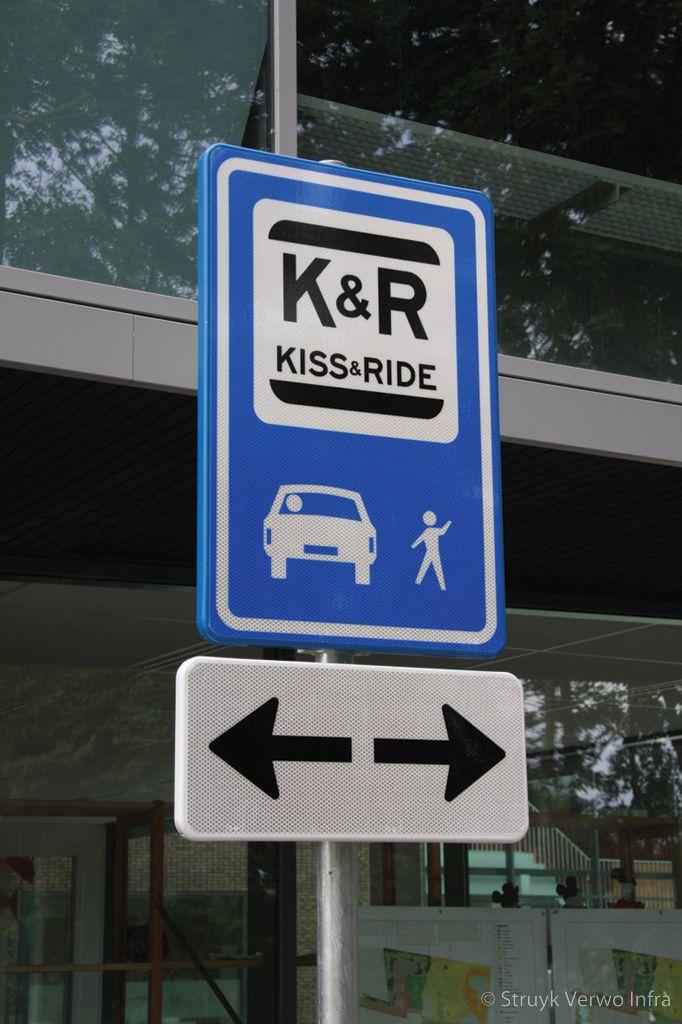Verkeersbord kiss ride plaats school