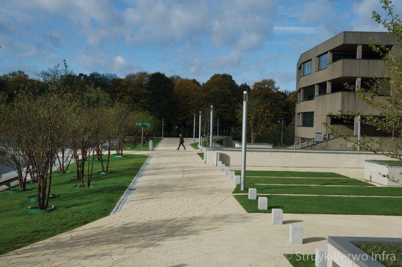 Rotterdam erasmus universiteit inrichting buitenterrein