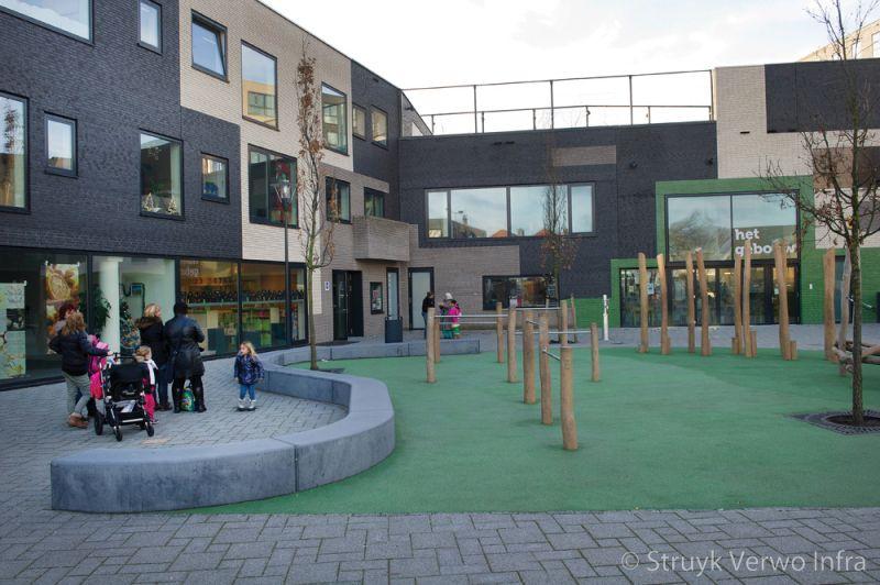Zitelementen op schoolcomplex bonaireplein leiden