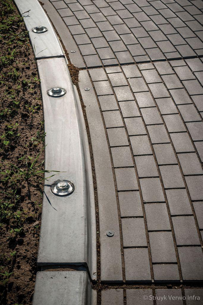 Rotondeplateau met straatsteenmotief