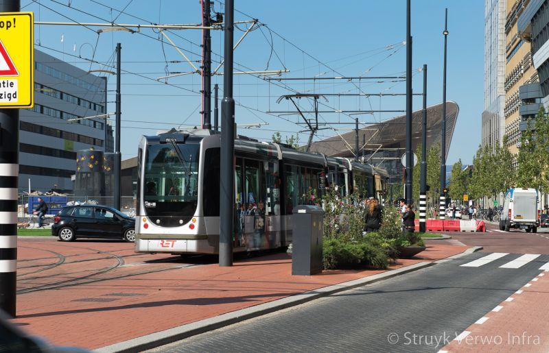 Trottoirband 28 30x24 trambaan stationsplein rotterdam