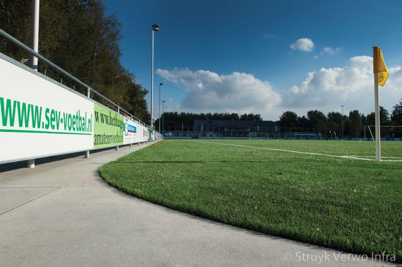 Verharding rondom sportvelden