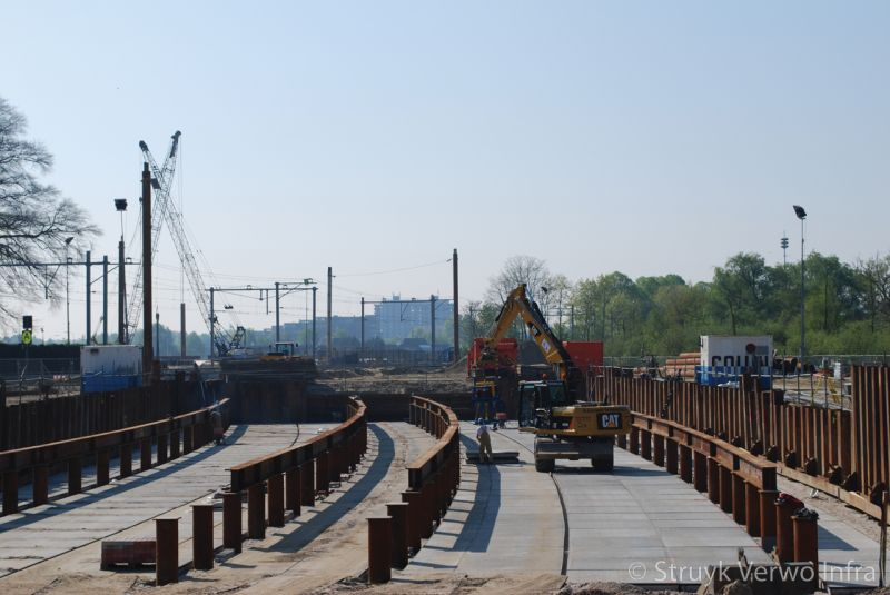 Spoorwegviaduct vloerplaten met hoekrand