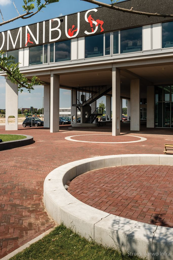 Zitranden van beton parkbanden beton
