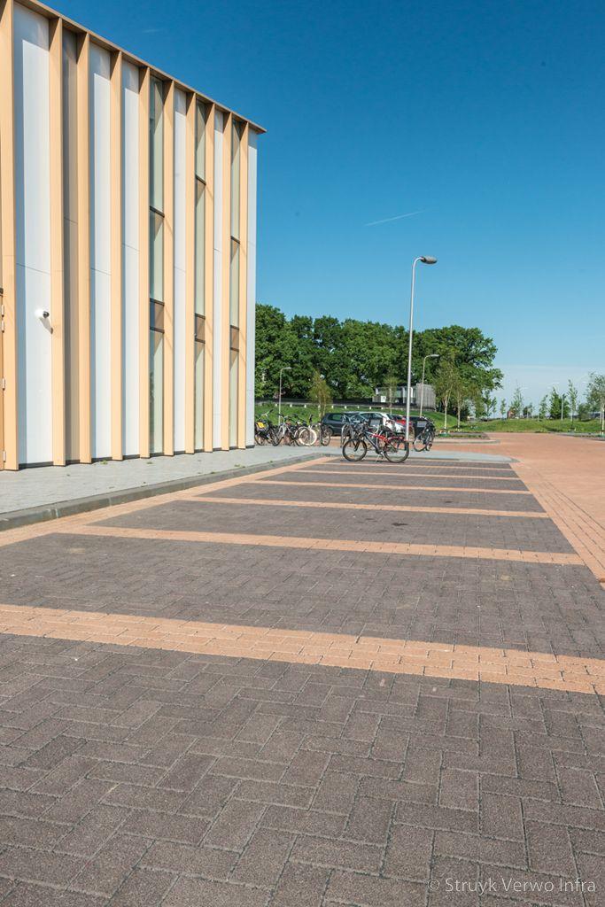 Drainage stenen toegepast op parkeerplaats