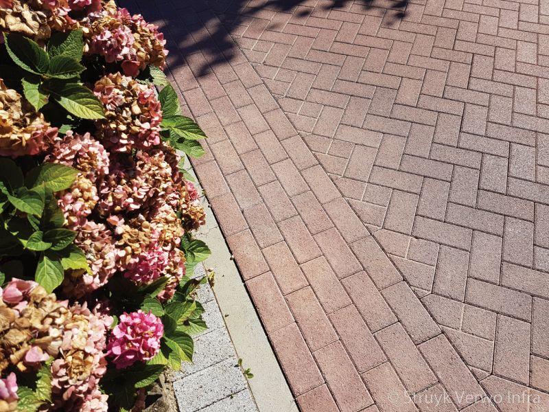 Geluidsreducerende straatsteen hagestein