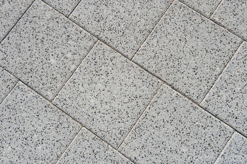 Tegels 30x30 machinaal pakket halfsteensverband lavaro grijs 530 lavaro grijs glisando 020 stoeptegel gewassen betontegel gewassen stoeptegel