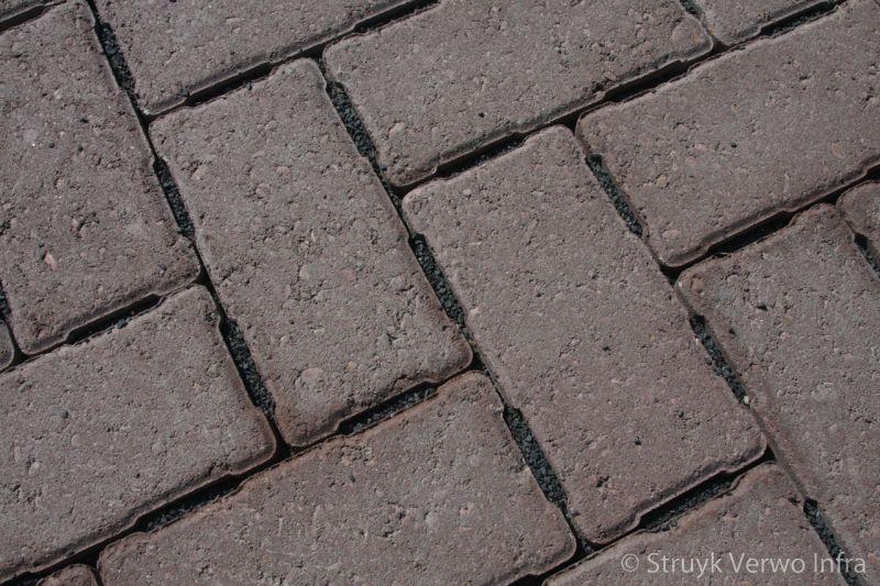 H2o steen in keperverband afgevuld met basaltsplit 1 3