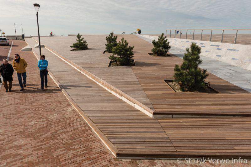 Inrichting boulevard prefab elementen met hout