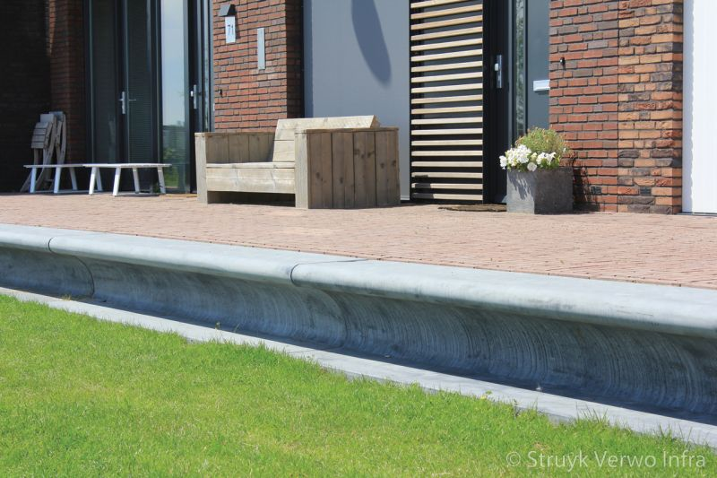 Maatwerk betonnen zitelementen waterrijk woerden