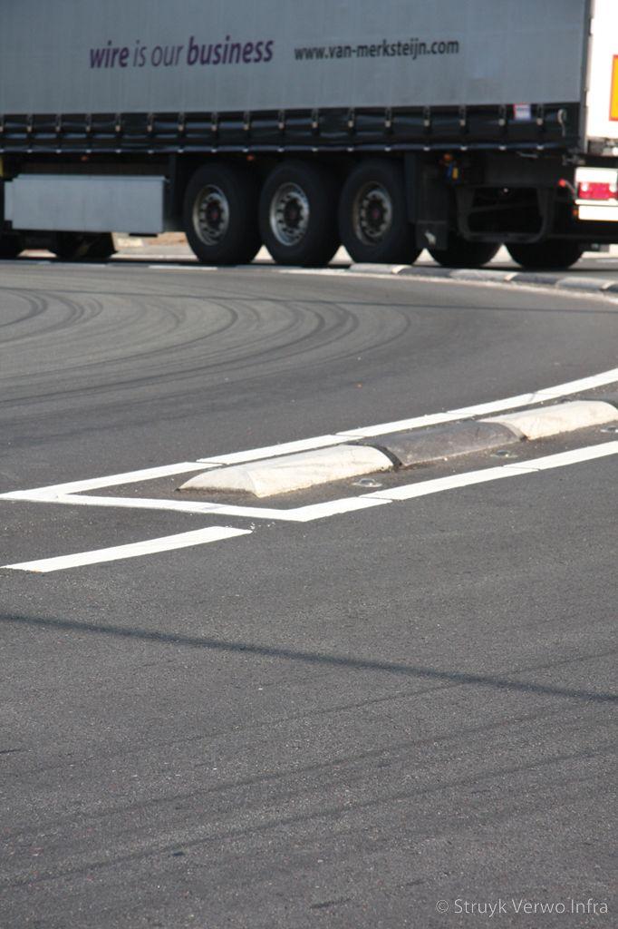 Scheiden vrachtverkeer op een rotonde