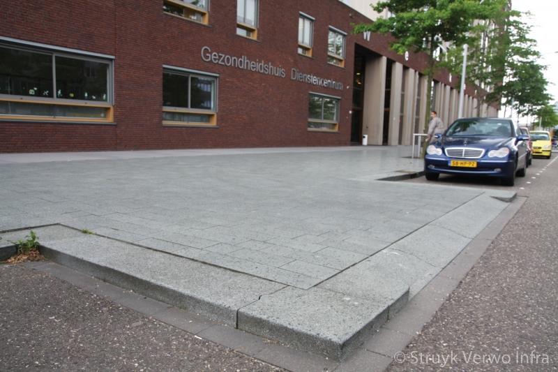 Trottoirband 28 30 lavaro grijs 712 brede betonbanden lavaro grijs 012