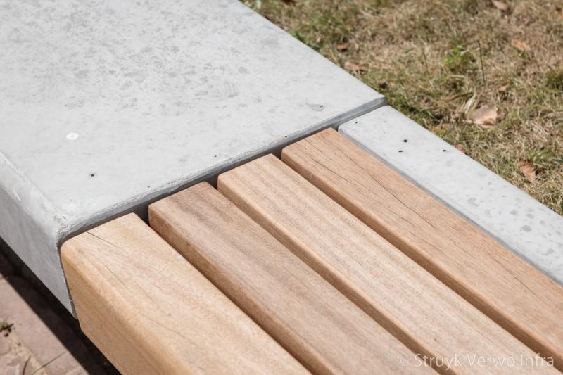 Fsc hardhout op betonnen banken herinrichting gele rijders plein