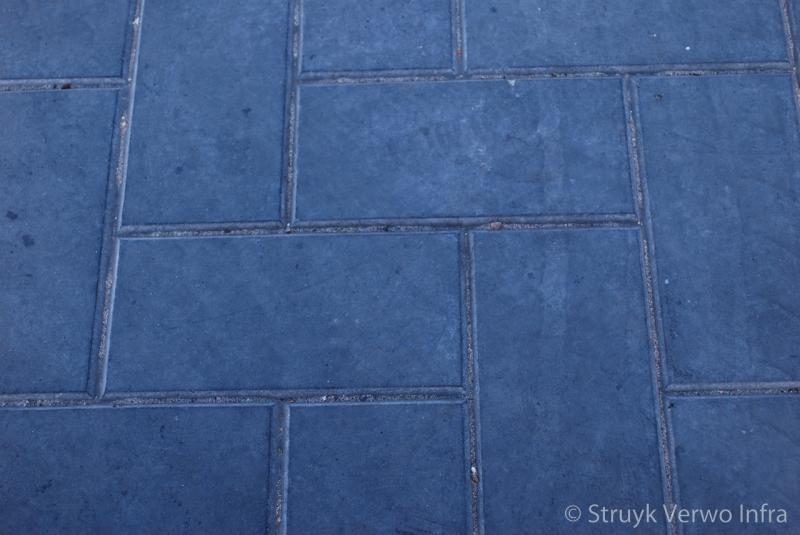 Steenmotief in een vloerplaat