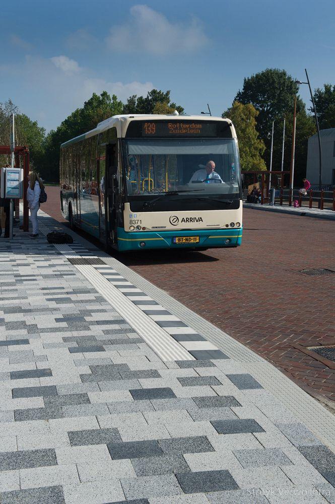 Herinrichting kon julianaweg middelharnis bushalte